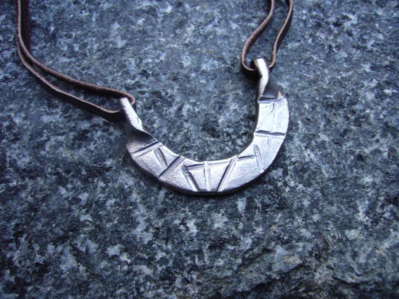 Kovaný přívěšek na krk, nerez, náhrdelník